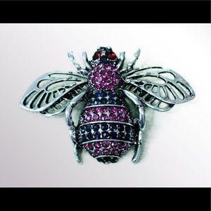 Braydini Jewelry - NEW Rhinestone Pin Brooch